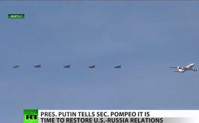 Video: Dàn máy bay chiến đấu hộ tống chuyên cơ của Tổng thống Putin