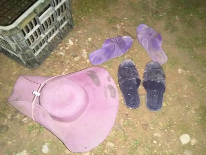 Tìm 2 con về ăn cơm, bố mẹ tá hỏa chỉ thấy dép và đồ dùng các con ở mép đập nước - Ảnh 2.