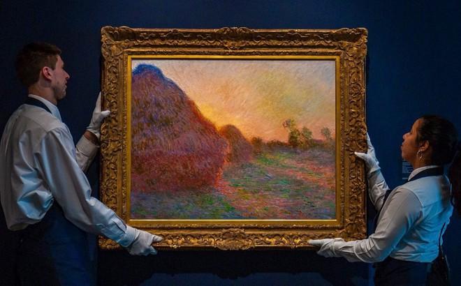 24h qua ảnh: Bức tranh 'đống rơm' có giá tới 110 triệu USD