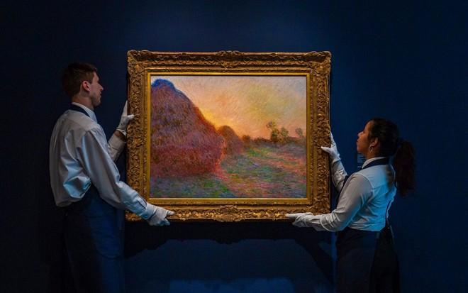 24h qua ảnh: Bức tranh đống rơm có giá tới 110 triệu USD - Ảnh 2.