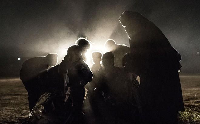 """Những cuộc trả thù tàn khốc trong đêm ở Iraq: """"Tôi không thể khóc khi thấy xác chồng trong vũng máu"""""""