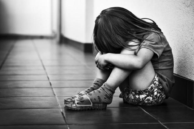 Cưỡng hiếp con gái riêng của vợ,  lời biện hộ của gã bố dượng càng khiến mọi người ghê tởm - Ảnh 1.