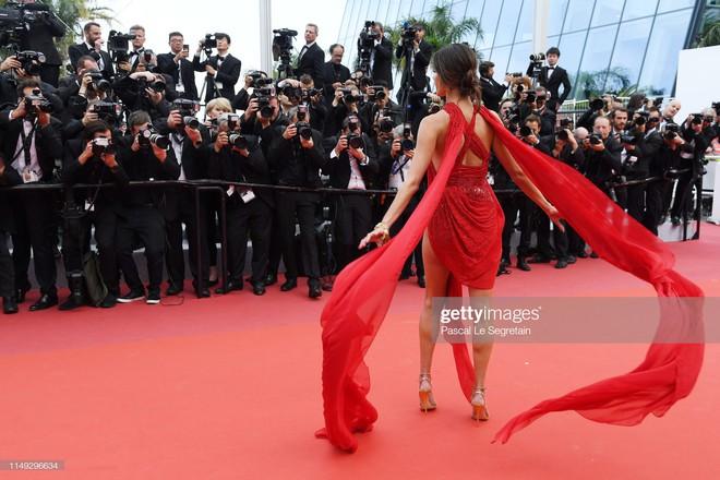 Thảm đỏ Cannes ngày 2: Thiên thần Victorias Secret suýt lộ hàng, Phạm Băng Băng Thái Lan xinh như tiên tử - Ảnh 2.