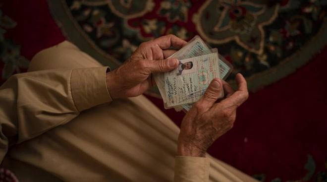 Những cuộc trả thù tàn khốc trong đêm ở Iraq: Tôi không thể khóc khi thấy xác chồng trong vũng máu - Ảnh 1.