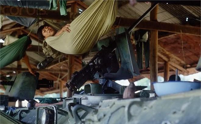 """Cơn khát """"chết người"""" của quân tình nguyện Việt Nam trước trận tập kích hang ổ Pailin tiêu diệt đầu sỏ Polpot"""