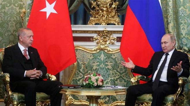 Chiến sự Syria: Hỏa lực bắn phá thỏa thuận Idlib, tình duyên Nga-Thổ có chắc bền lâu? - Ảnh 1.