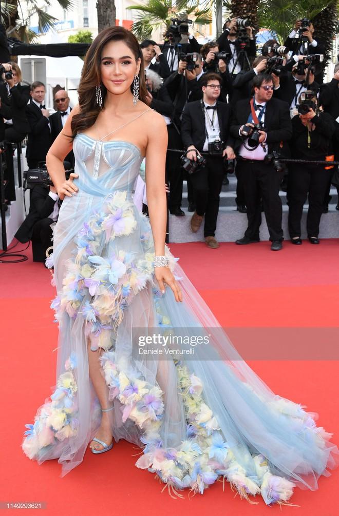 Thảm đỏ Cannes ngày 2: Thiên thần Victorias Secret suýt lộ hàng, Phạm Băng Băng Thái Lan xinh như tiên tử - Ảnh 10.