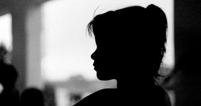 Cưỡng hiếp con gái riêng của vợ,  lời biện hộ của gã bố dượng càng khiến mọi người ghê tởm - Ảnh 2.