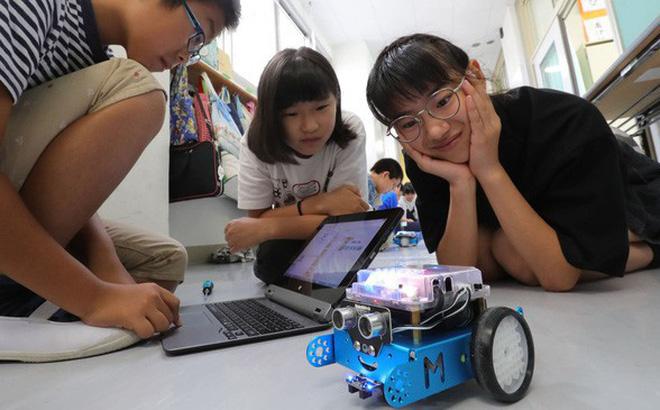 Không phải ngoại ngữ, đây mới là thứ cha mẹ cần trang bị cho con để trẻ thành công trong thời đại công nghệ cao