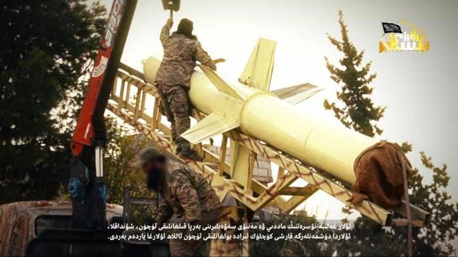 Syria nóng - Máy bay hiện đại nhất Hải quân Mỹ xuất hiện ngoài khơi, thiết giáp Thổ Nhĩ Kỳ thọc sâu tận Hama - Ảnh 9.