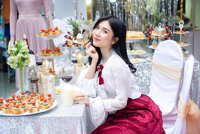 Cuộc sống hiện tại của Thanh Bi - tình cũ Quang Lê ra sao sau 2 năm tuyên bố chia tay vẫn ngủ chung? - Ảnh 13.