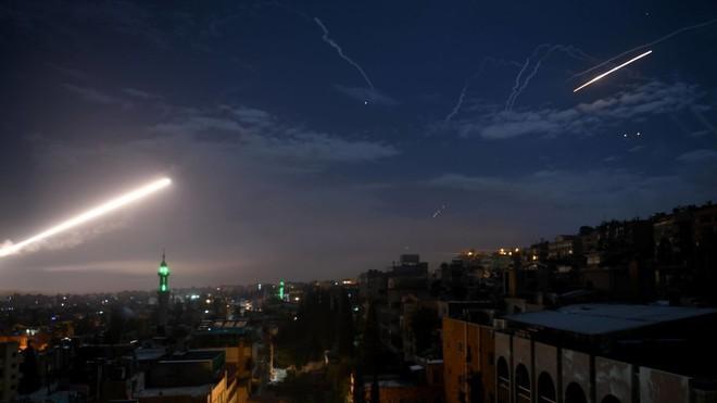 Đầu não Khmeimim bị tấn công, phòng không Nga khai hỏa - Syria đánh chặn tên lửa Israel - Ảnh 15.