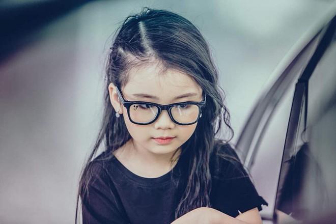 3 mỹ nhân nhí đang hot nhất Vbiz: Bản sao Phạm Hương đóng cảnh nóng năm 13 tuổi đến Hoa hậu Hoàn vũ khi chỉ vừa lên 7 - Ảnh 12.