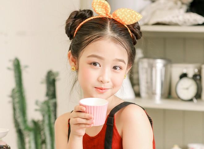3 mỹ nhân nhí đang hot nhất Vbiz: Bản sao Phạm Hương đóng cảnh nóng năm 13 tuổi đến Hoa hậu Hoàn vũ khi chỉ vừa lên 7 - Ảnh 16.