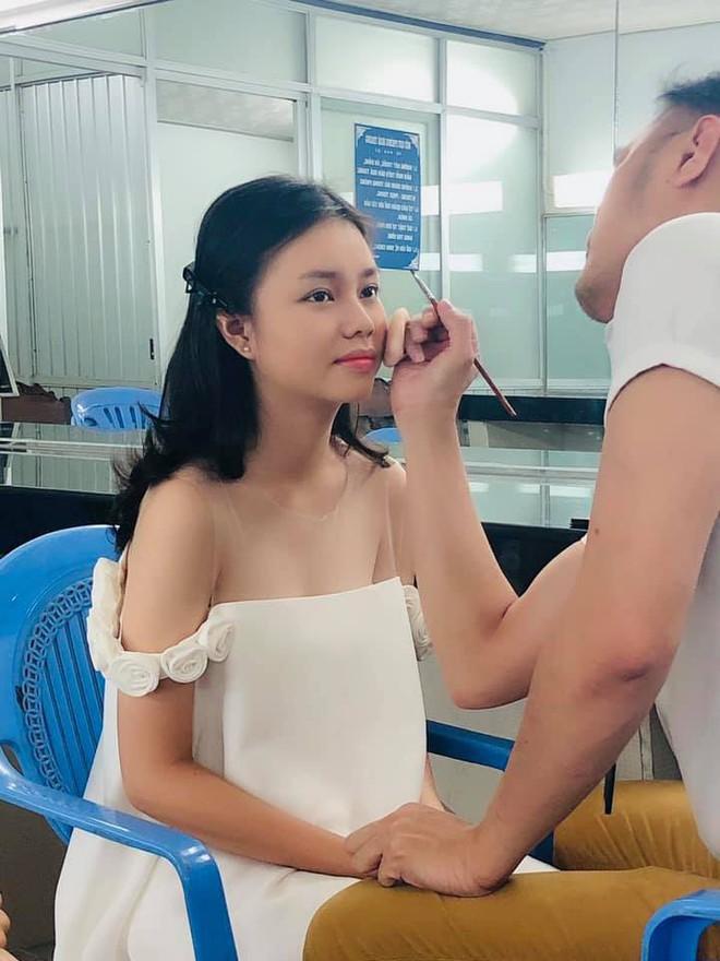 3 mỹ nhân nhí đang hot nhất Vbiz: Bản sao Phạm Hương đóng cảnh nóng năm 13 tuổi đến Hoa hậu Hoàn vũ khi chỉ vừa lên 7 - Ảnh 4.