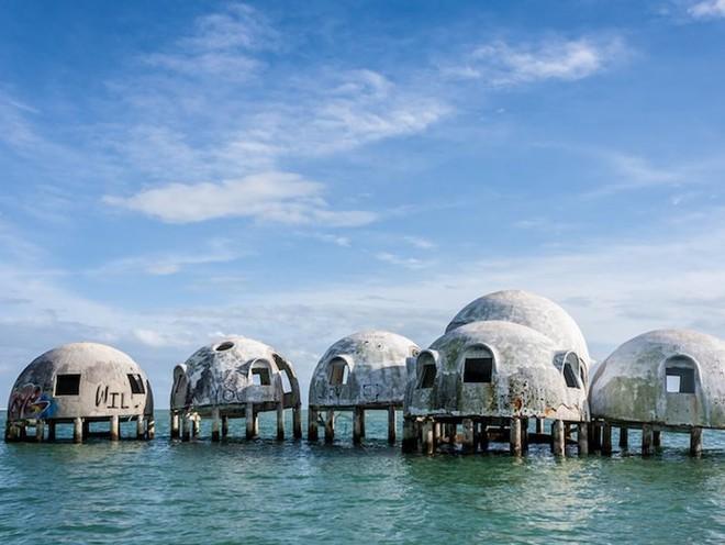 10 công trình kiến trúc của con người bị tự nhiên... chiếm giữ - Ảnh 9.