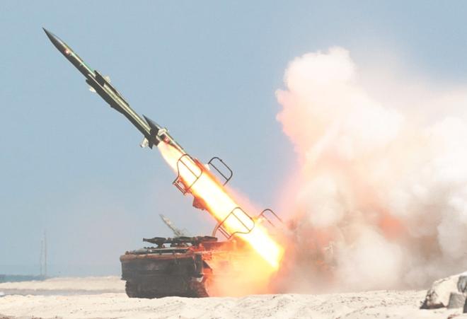 Tên lửa S-300 Nga hùng dũng bảo vệ cả Iran và Venezuela: Mỹ chưa đánh ra run? - Ảnh 1.