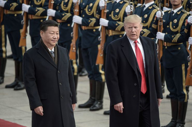Đánh thuế tuyệt đối Trung Quốc, tấn công quân sự Iran, Venezuela: Ông Trump có dám liều? - Ảnh 1.