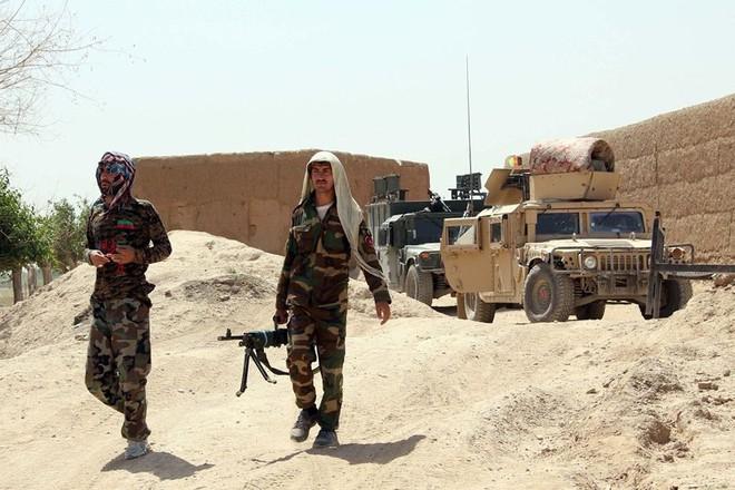 Mỹ không kích nhầm lực lượng quân đội Afghanistan - Ảnh 1.