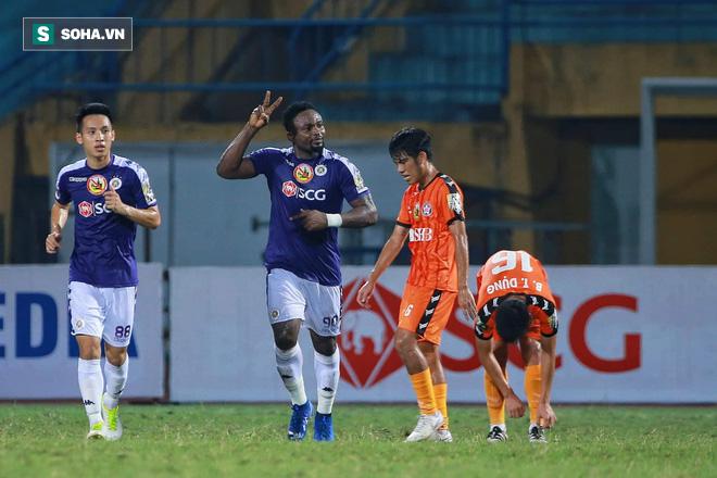 Lần đầu xuất trận, Bùi Tiến Dũng suýt khiến CLB Hà Nội phải khóc hận trước Đà Nẵng - Ảnh 1.