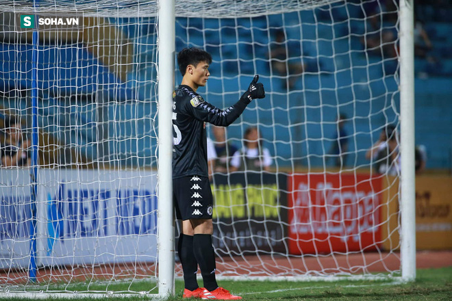 Lần đầu xuất trận, Bùi Tiến Dũng suýt khiến CLB Hà Nội phải khóc hận trước Đà Nẵng - Ảnh 2.