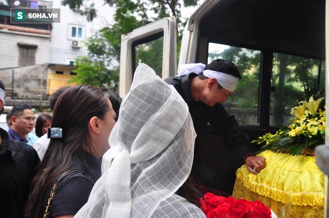 Đám tang đẫm nước mắt của nữ nhân viên nhà hát kịch bị xe Mercedes đâm tử vong ở hầm Kim Liên - Ảnh 23.