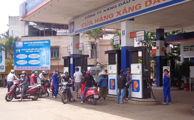 Giá xăng dầu tiếp tục tăng mạnh, từ đầu năm đến nay tăng gần 30%