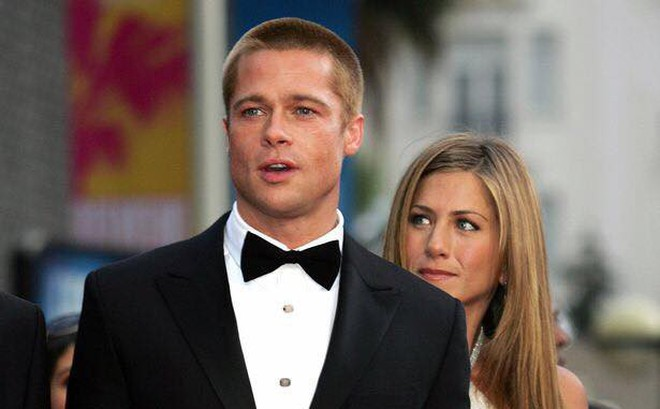 Món quà sinh nhật khủng Brad Pitt tặng cho Jennifer Aniston được tiết lộ, Angelina Jolie nghe thấy có xót xa?