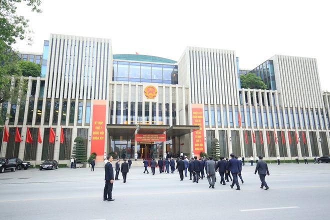 Đại biểu Quốc hội viếng Lăng Chủ tịch Hồ Chí Minh - Ảnh 11.