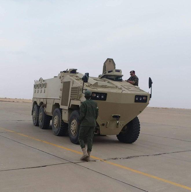 Hàng nóng ùn ùn đổ vào Libya: Tướng Haftar có vũ khí khủng gấp bội thứ GNA vừa nhận - Ảnh 7.