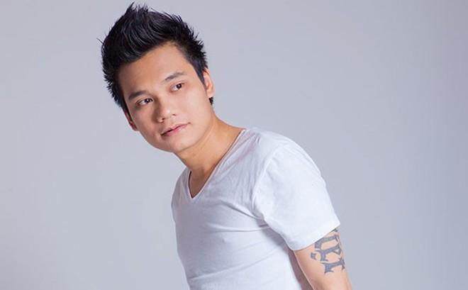 Sau Quyền Linh, Việt Trinh, ca sĩ Khắc Việt cũng đăng ký hiến tạng