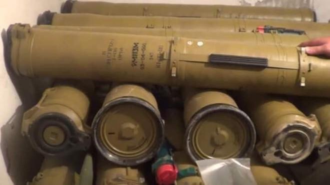 Hàng nóng ùn ùn đổ vào Libya: Tướng Haftar có vũ khí khủng gấp bội thứ GNA vừa nhận - Ảnh 3.