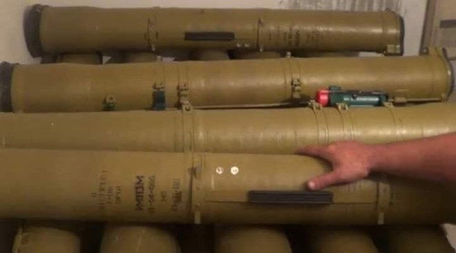 Hàng nóng ùn ùn đổ vào Libya: Tướng Haftar có vũ khí khủng gấp bội thứ GNA vừa nhận - Ảnh 4.