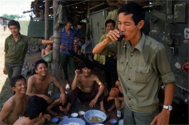 Lính tình nguyện Việt Nam vượt trận khát khủng khiếp nhất tại hang ổ Pailin đầy kim cương của Polpot - Ảnh 2.