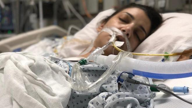 Câu chuyện cảm động về 2 cô gái trẻ xa lạ cùng chờ đợi, ai qua đời trước sẽ hiến tạng cho người kia - Ảnh 1.