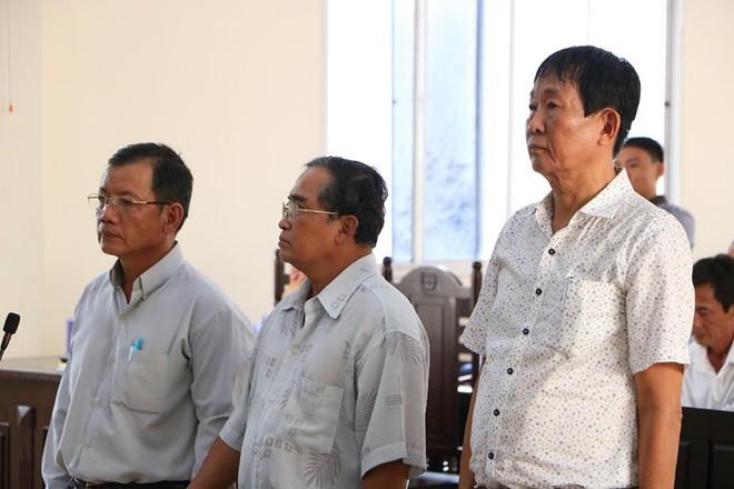 Cựu giám đốc Sở Địa chính Bình Dương Cao Minh Huệ bị 12 năm tù - Ảnh 1.