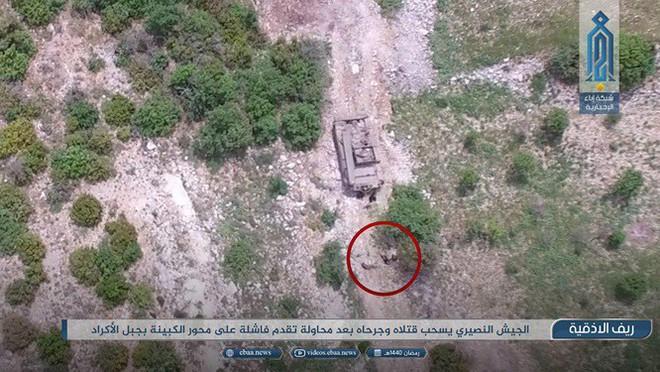 Sư đoàn Cơ giới Số 4 Quân đội Syria tiếp tục thất bại ở Latakia - Ảnh 2.