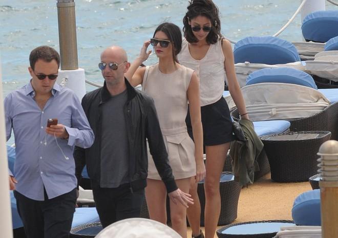Đằng sau hào quang của LHP Cannes: Nơi kiếm tiền của gái bán dâm hạng sang, có người kiếm được cả tỷ đồng cho một lần qua đêm cùng đại gia - Ảnh 4.