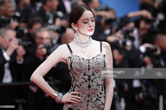 Mỹ nhân bị nhầm với Ngọc Trinh: Nàng công chúa Hoa ngữ đẹp ná thở tại Cannes bất chấp ảnh không photoshop - Ảnh 5.