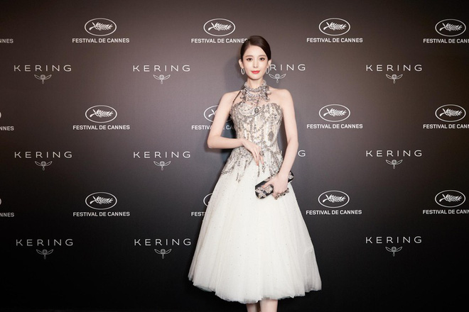 Mỹ nhân bị nhầm với Ngọc Trinh: Nàng công chúa Hoa ngữ đẹp ná thở tại Cannes bất chấp ảnh không photoshop - Ảnh 9.