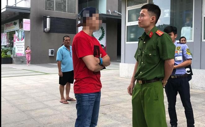 """Việt kiều khoe """"chó nằm máy lạnh"""" bị phạt 700 ngàn đồng"""