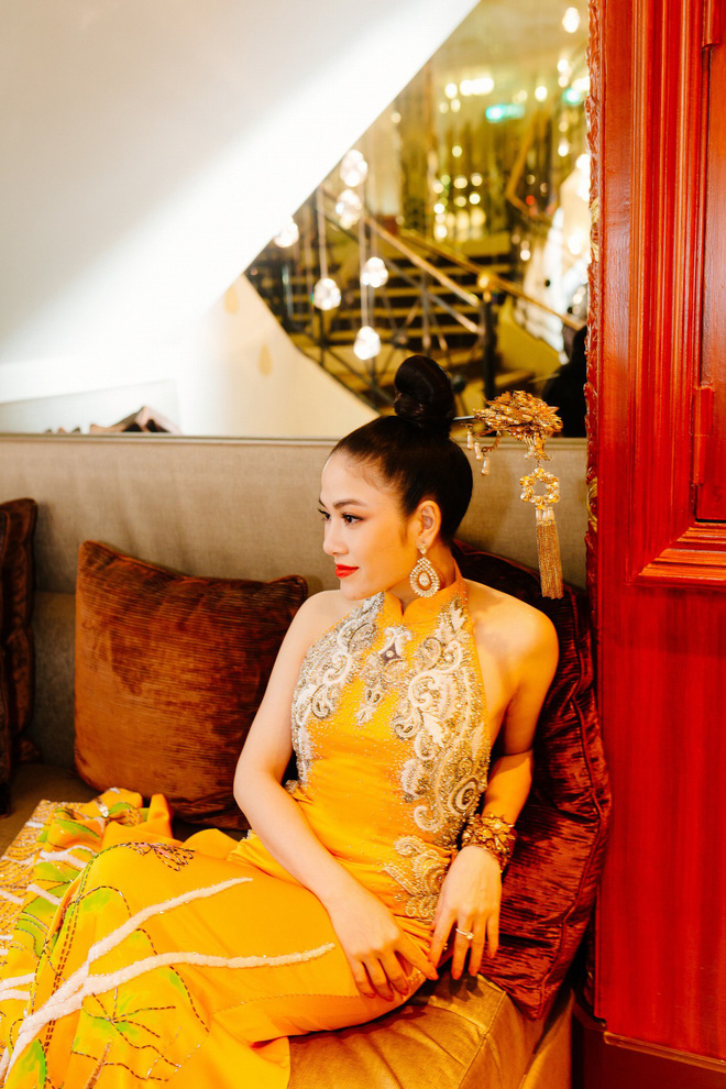 Hoa hậu Tuyết Nga khoe vai trần gợi cảm trên thảm đỏ Cannes - Ảnh 9.