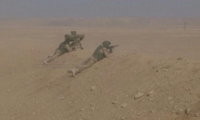 Phiến quân phản kích, hàng đàn xe bom tự sát xông lên - QĐ Syria thua nặng ở Kabani - Ảnh 11.