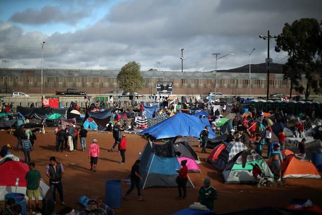 Chuyện ít biết về khủng hoảng di cư Mỹ: Bài 1 - Sự điên rồ nơi biên giới Mỹ - Mexico - Ảnh 4.