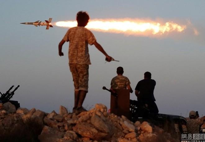 Chỉ có ở chiến trường Lybia: Tên lửa phòng không Pechora được sử dụng để... đánh đất - Ảnh 5.