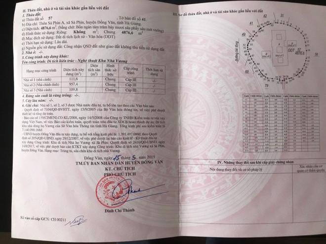 Huyện Đồng Văn trả sổ đỏ dinh thự cho cháu nội Vua Mèo - Ảnh 3.