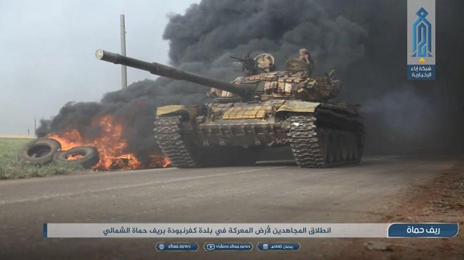 Khủng bố tổ chức phản công lớn tại Tây Bắc Syria: Tín hiệu không kích của Mỹ hiệu quả? - Ảnh 9.