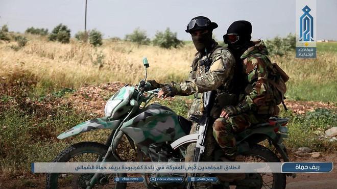 Khủng bố tổ chức phản công lớn tại Tây Bắc Syria: Tín hiệu không kích của Mỹ hiệu quả? - Ảnh 10.