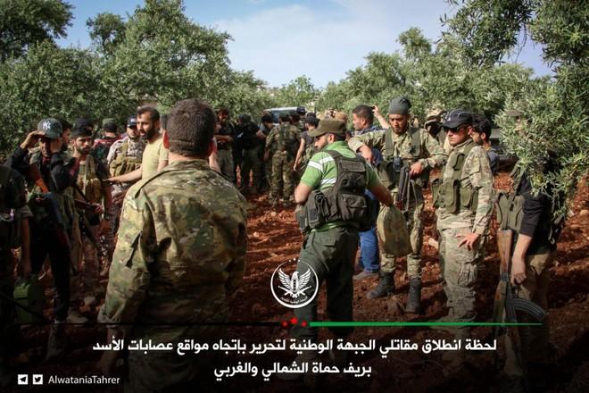 Khủng bố tổ chức phản công lớn tại Tây Bắc Syria: Tín hiệu không kích của Mỹ hiệu quả? - Ảnh 15.