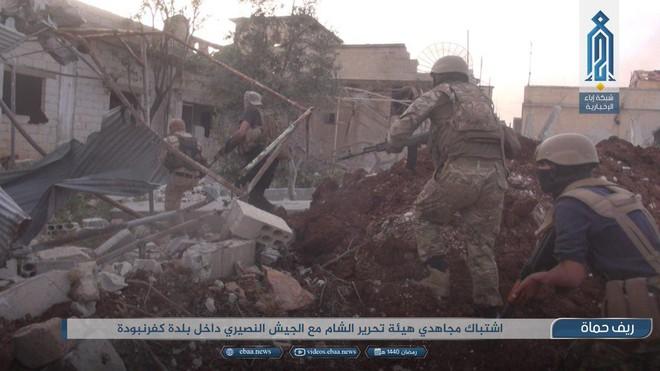 Khủng bố tổ chức phản công lớn tại Tây Bắc Syria: Tín hiệu không kích của Mỹ hiệu quả? - Ảnh 11.